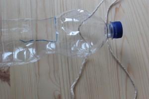hilo con botella - Huerto de Urbano